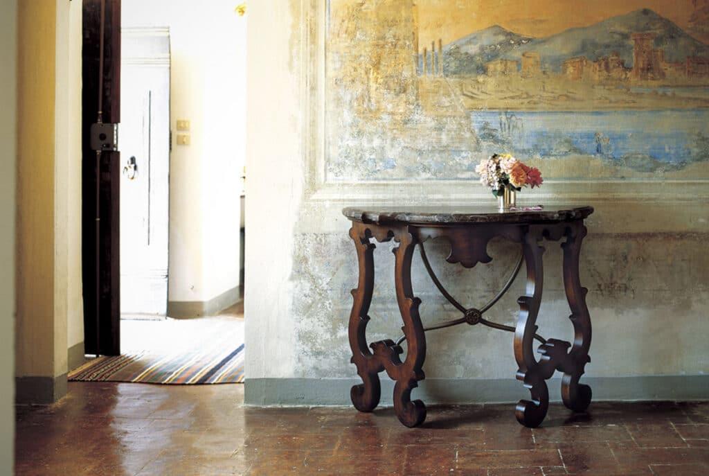 WO_Italian Side Table