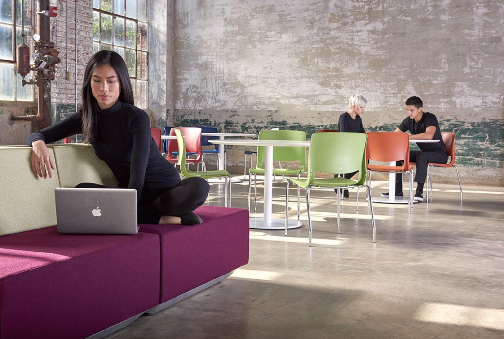 WO_Woman-Laptop-Purple Sofa